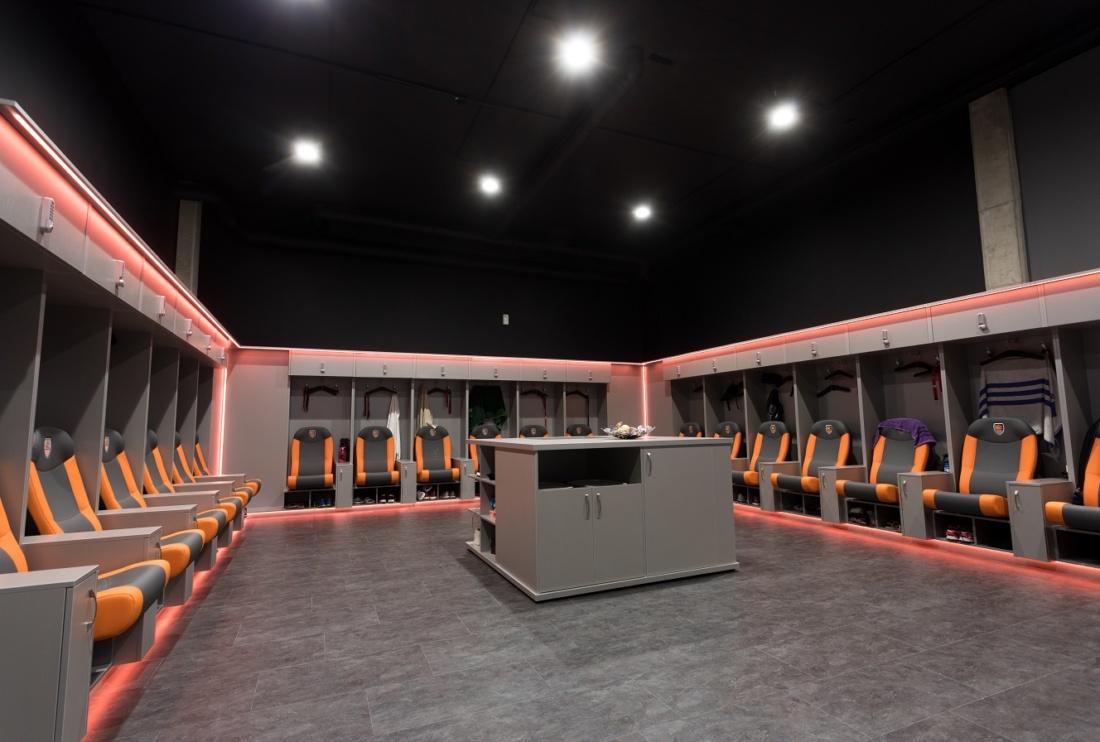 Modern világítás a pályán – az ország egyik legmodernebb sportcsarnoka
