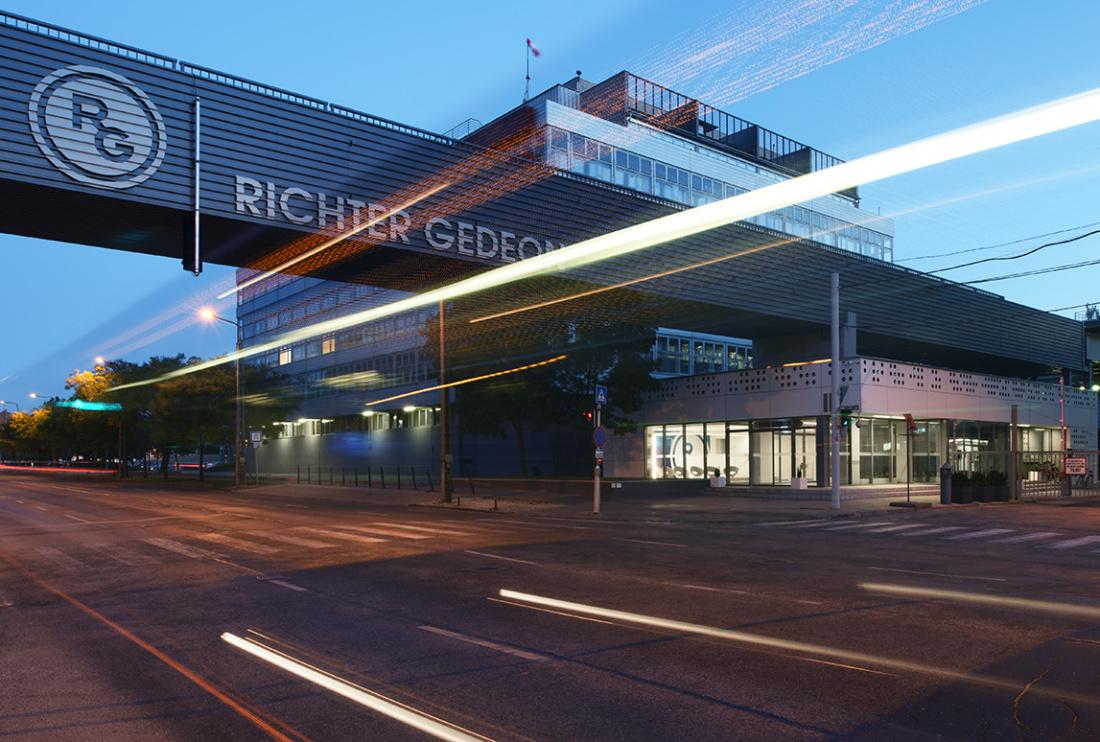 Richter Gedeon Kémiai Kutató- és Irodaépület – funkcionális irodavilágítás