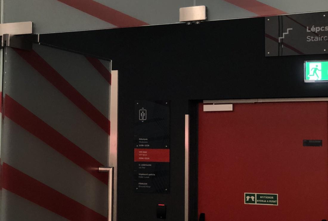Egyedi világítástechnikai fejlesztés a Puskás Arénában