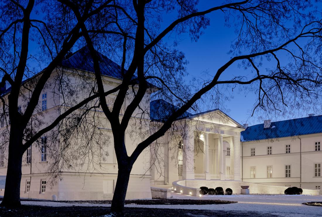 Műemlékbarát világítás a dégi Festetics-kastélyban