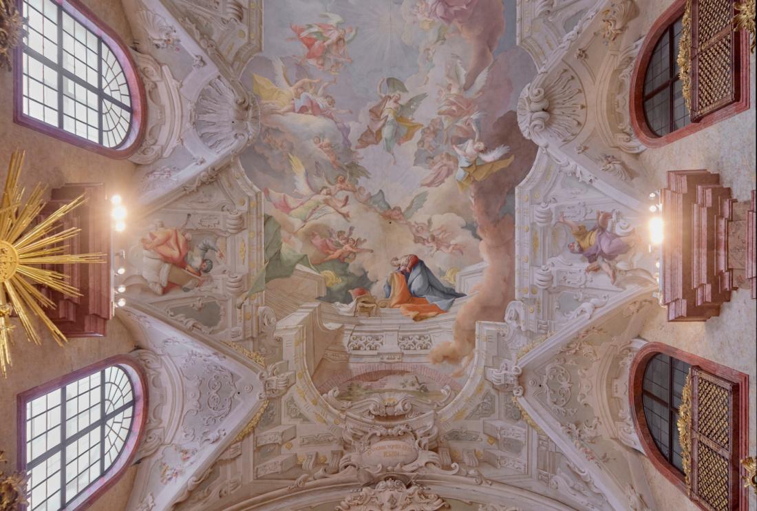 Világítás a történelem, a művészet, és a hit szolgálatában